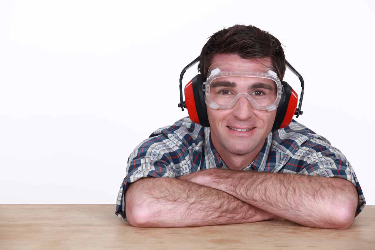 Worker earmuffs and eye protection0